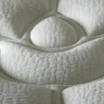 matelas en latex recouvert d'un coutil en bambou et coton. Premium, 1 136 €. Biosense