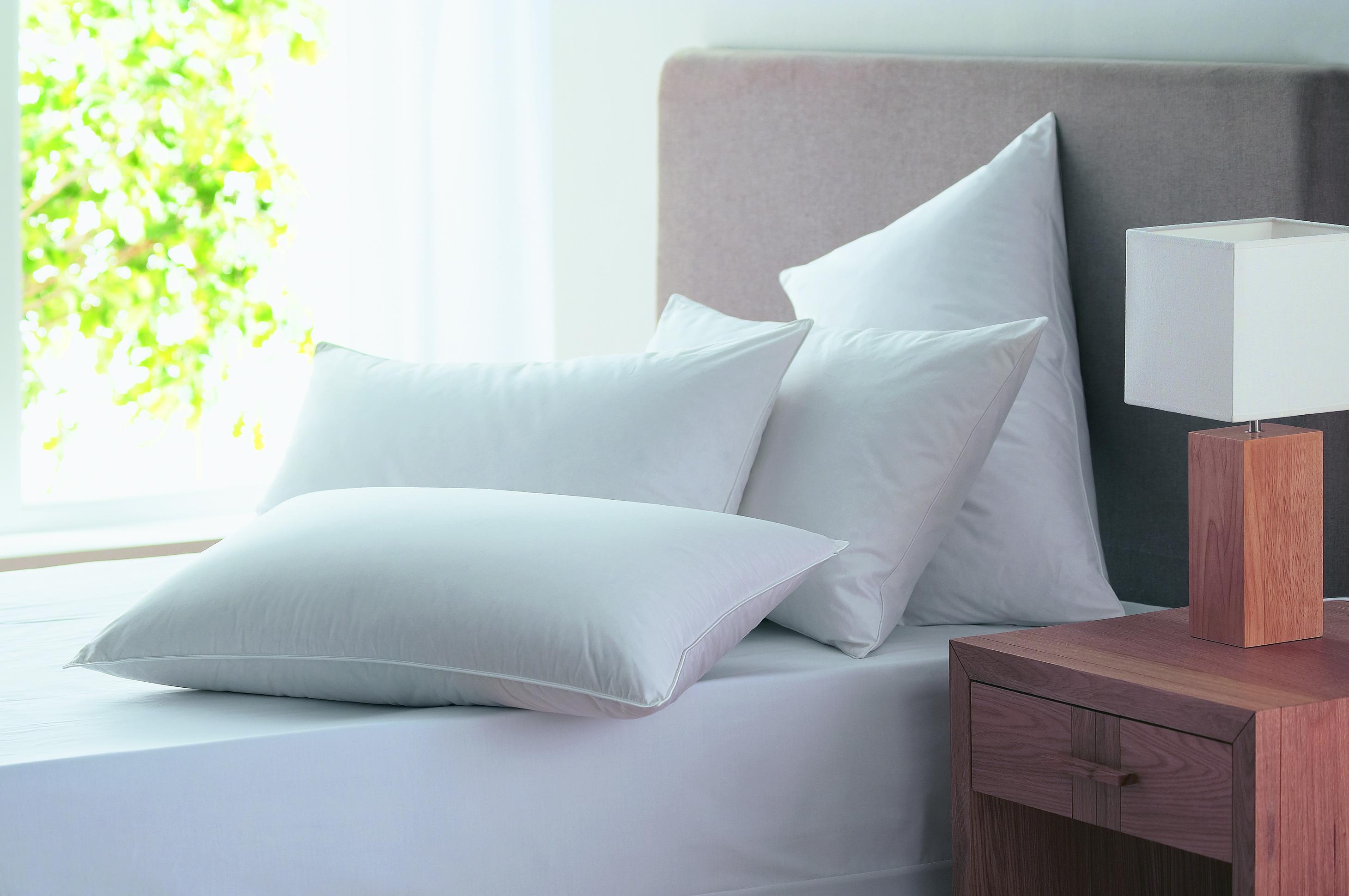 Oreillers fine bedding plume et duvet le sommeil au naturel - Oreiller pour bien dormir ...